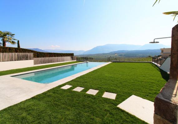 Infinity Pool & Garden at Lake Caldaro - Dolomite View